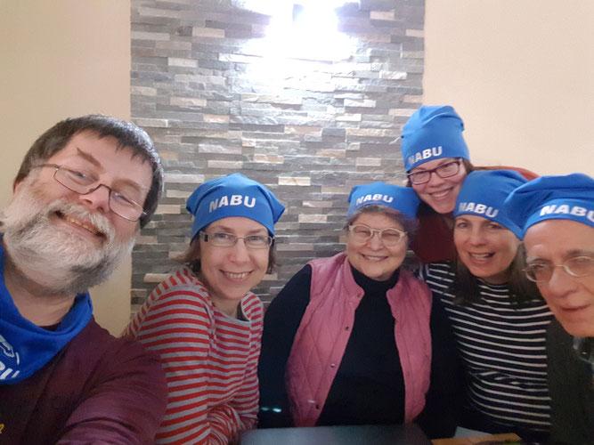 Foto: (C. Lynen) v. l. n. r. Christian Lynen, Martina Weber, Carola De Marco, Katja Geilen, Patricia Cantarella und André Torkuhl beim NABU-Treff im Januar