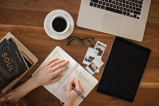 Tagebuch schreiben als Methode um Emotionen zu verarbeiten Selbsthilfe sich etwas von der Seele schreiben