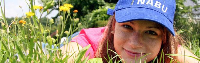 Aktiv für die Natur - Mädchen mit NABU-Kappe; Foto: Christine Kuchem / NABU