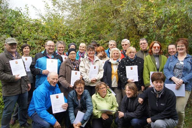Das Bild zeigt die stolzen Absolventinnen und Absolventen des letzten Kurses. | Bild: Robert Egerling