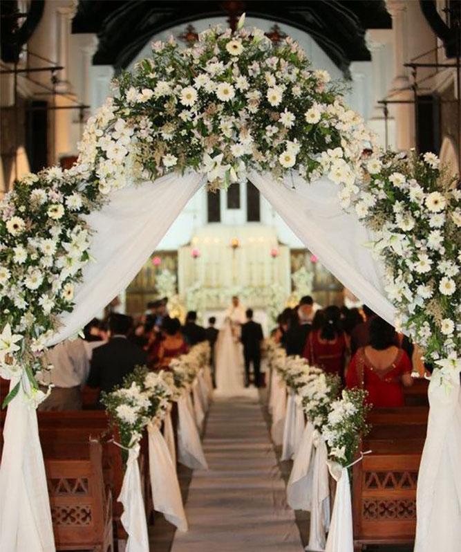 arreglo de flores para la iglesia