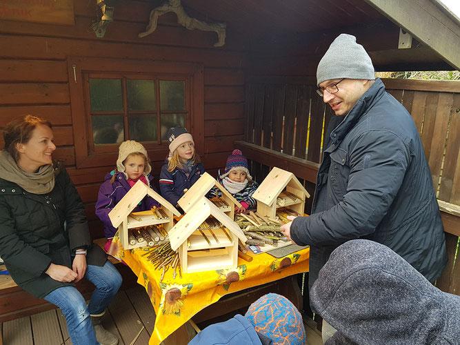 Bau eines Insektenhotels Kindergruppe NAJU Düren NABU Düren