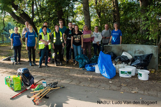 Gewässerretter nach getaner Arbeit. Foto: Ludo Van den Bogaert