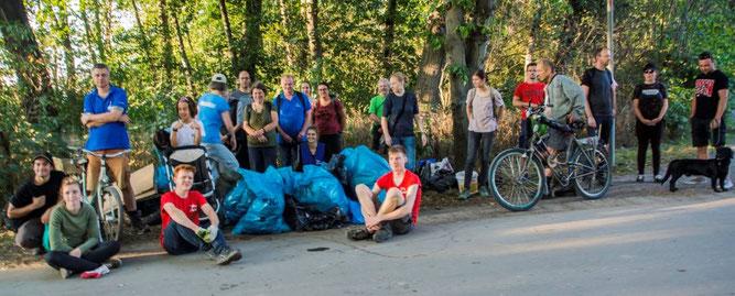 31 Müllsammler waren beim ICCD 2020 am Elsterbecken im Einsatz. Vielen Dank!