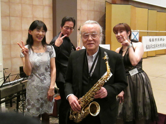 左から、Miyukiさん、Takano、吉田さん、愛紗さん