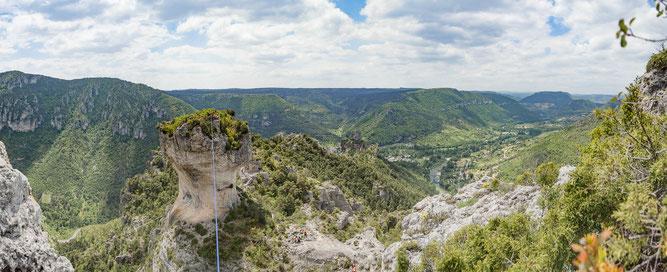 Slackline; hgigline;gorge de la jonte;Parc Naturel Régional des Grands Causses