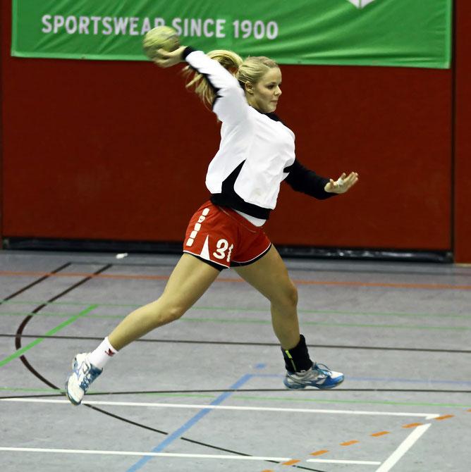Selina Adeberg
