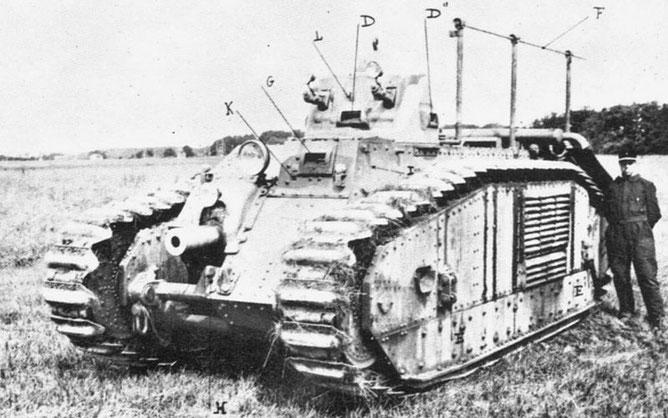 Le montage d'un canon de 75 mm est une première et confère à ce B1 une puissance de feu considérable