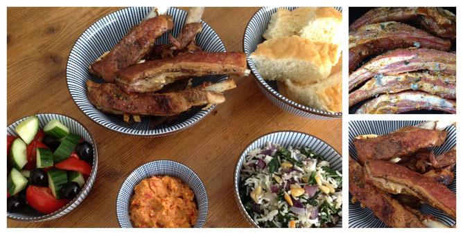 Griekse lamsribben met spanakorizo, brood, salade en feta/paprika crème.