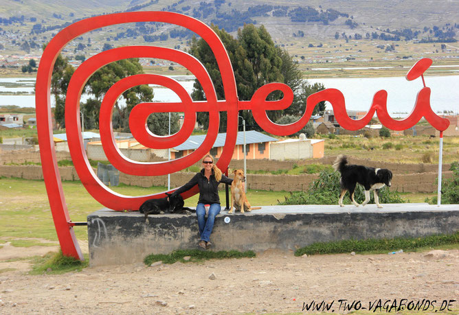 BORDERLINE / GRENZUEBERGANG NACH BOLIVIEN AM TITICACASEE