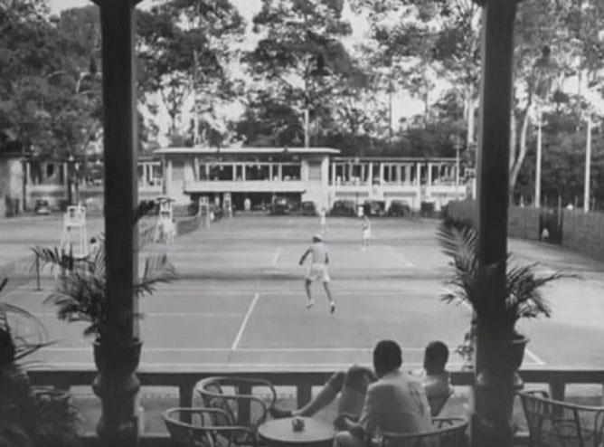 La Cour de tennis.