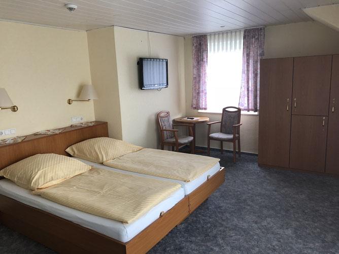 Zimmer 27