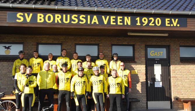 Erfolgreich in die Saison gestartet     Gruppe 1 und 2 starten mit jeweils 10 RSG´lern in Begleitung von Regen, Wind, Sonne und einem herrlichen Regenbogen in die Saison 2016.   Gruppe 1 radelt 55km, Gruppe 2 32km.