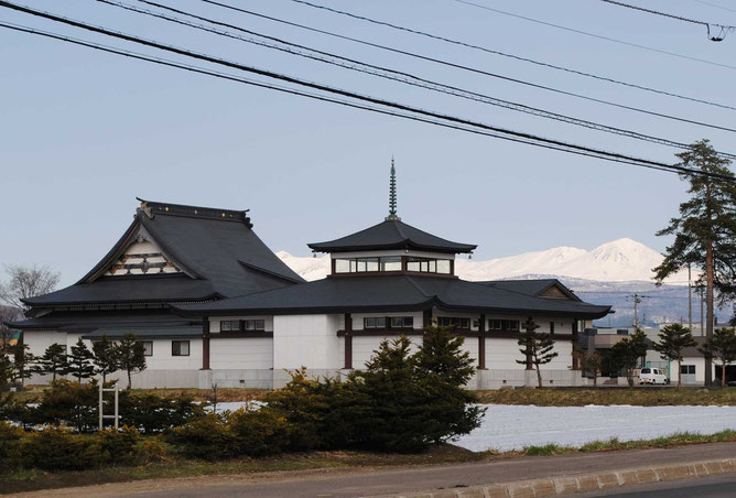 平成25年5月10日 東川寺と大雪山連峰