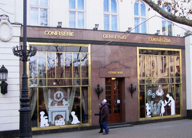 Кондитерская Жербо на площади Вёрёшмарти