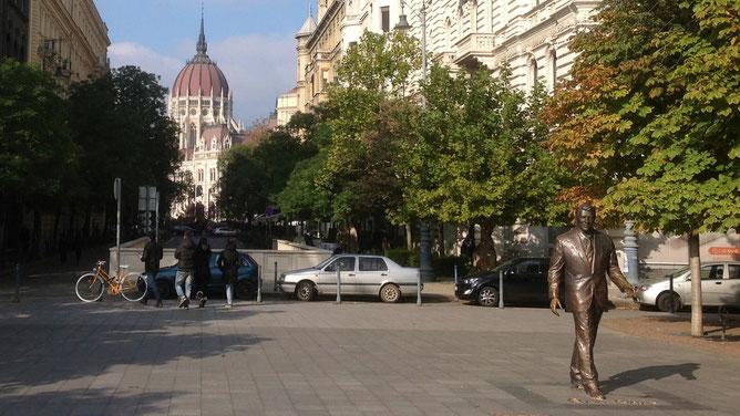 Бронзовая скульптура Рональду Рейгану, Будапешт, памятник Рейгану в Будапеште