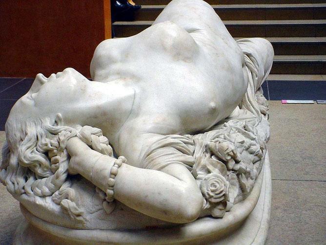 ... A.J. Clesinger 1848 femme piquée par un serpent ,sculpture marbre nu féminin, nouveausculpteur chefs-d'oeuvre de la sculpture.