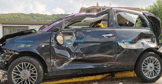 Auto prelevata dal soccorso stradale di Sisto Caponera