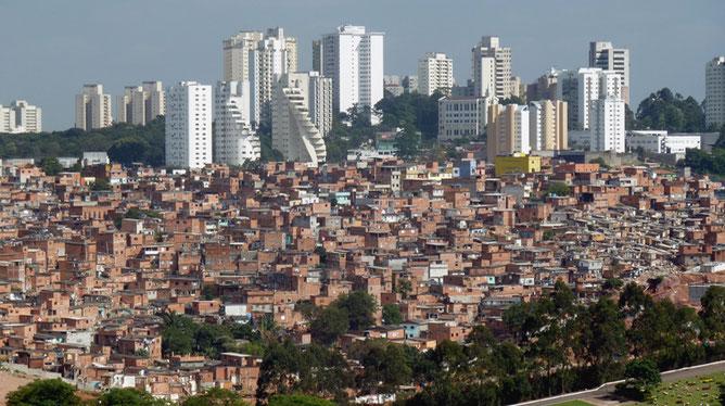 streetworker, streetfood, food truck, kinderhilfe, recife, soziale ungleichheit, strassenkinder, freizeitgestaltung, arm und reich, kinderarbeit, beten, brasilien,