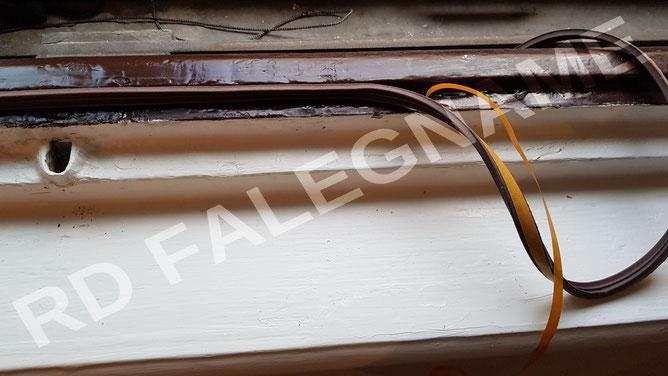 Porta-Finestra accorciata, sostituito i vetri e verniciata a smalto