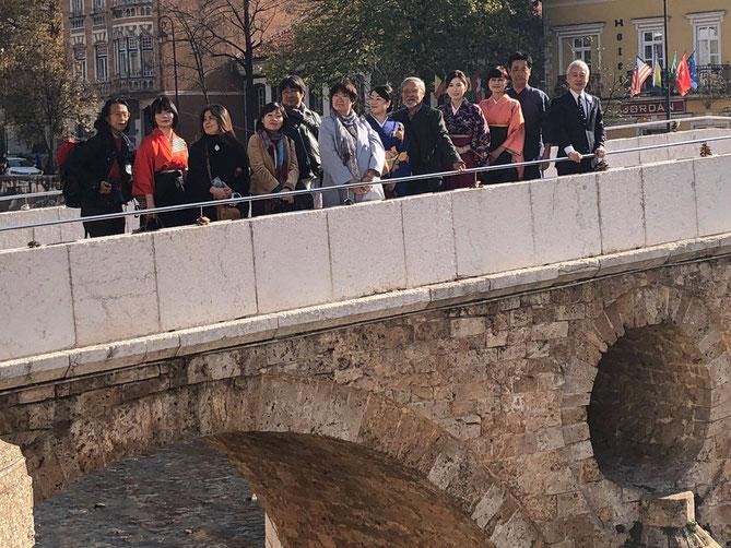 ラテン橋を訪れ紛争の歴史を学ぶ