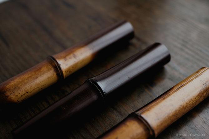 古材の煤竹、同じ竹を節ごとに切って