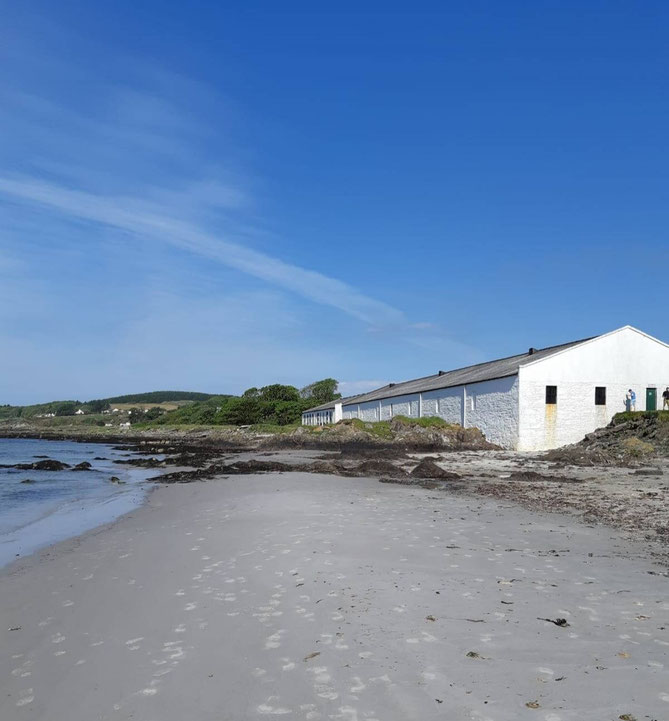 Die stillgelegte Port Ellen Distillery auf Islay