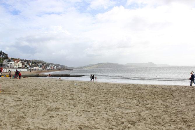 Sandstrand in Lyme Regis