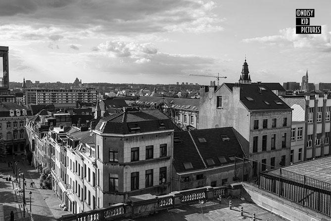 Un photographe donne cours de design déco et photo à Bruxelles durant une expo de photographies