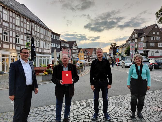 v. l.: Sören Bartol (MdB), Fritz Glashauser, Mike-Oliver Klotz (Vorsitzender Ortsverein), Angelika Löber (MdL)