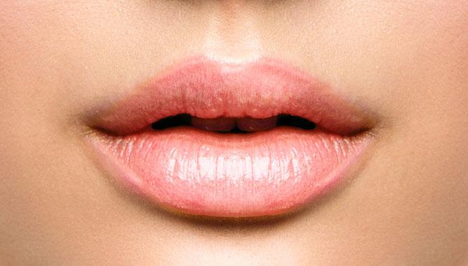 Lippenvolumen vergrößern mit Hyaluronsäure Dr. Thomas Franke, Berlin