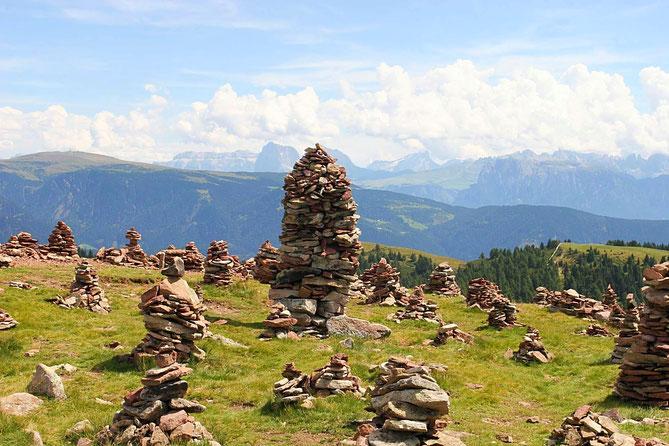 Die Steinformationen der Stoanernen Mandln mit Ausblick