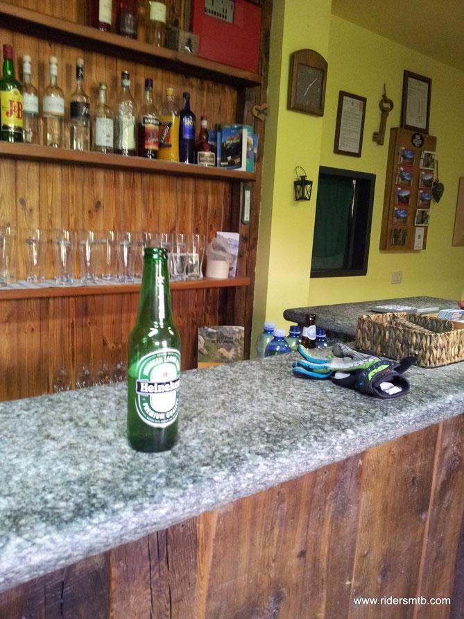 Al rifugio Dondena ci scappa la seconda birra, un toccasana!