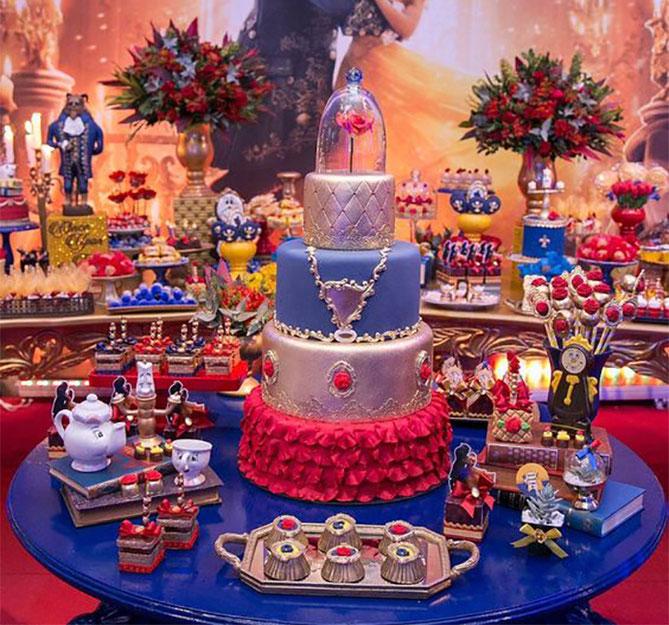 mesa de dulces 15 años bella y la bestia