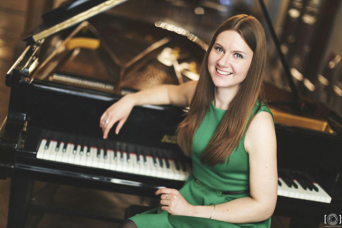 BAIBA OSINA, Pianistin