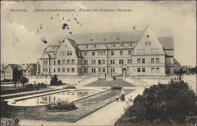 Die von Otto Wolfskehl gegründete Landeshypothekenbank, heute Sitz der Evangelischen Kirche Hessen und Nassau (EKHN) im Paulsviertel