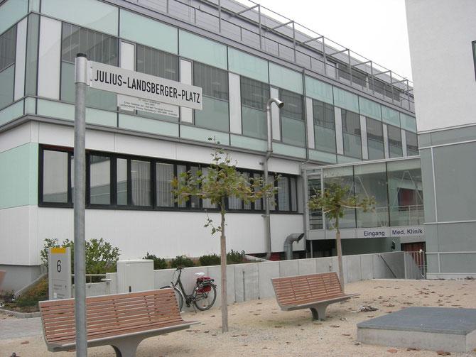 Der vom Förderverein Liberale Synagoge initiierte Julius-Landsberger-Platz / foto: FLS