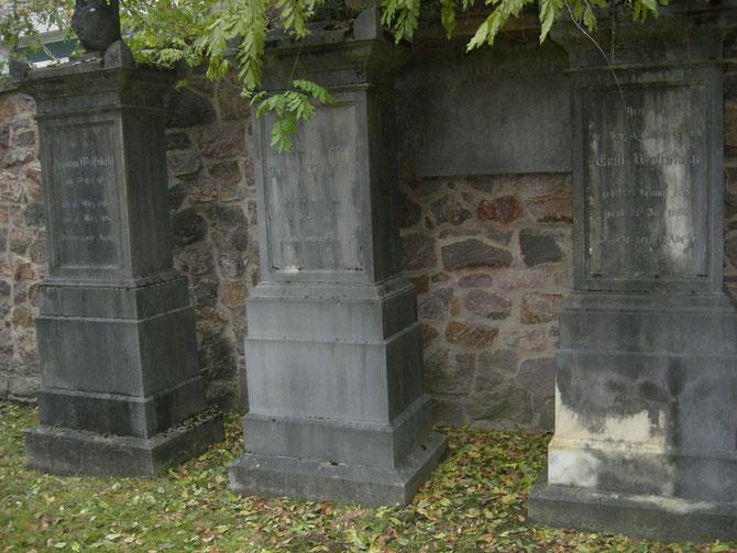 Das Familiengrab derer von Wolfskehl auf dem Jüdischen Friedhof, Darmstadt / Bild: Martin Frenzel