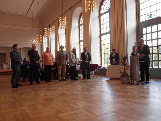 """Bürgerehrung 2014: Der Darmstädter """"Oskar"""" für ehrenamtliches Engagement / Foto: Gabriele Claus (FLS)"""