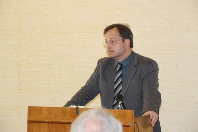 Martin Frenzel während seiner Rede zum Thema Erinnerungsarbeit und Zivilcourage / Foto: Markus Landzettel