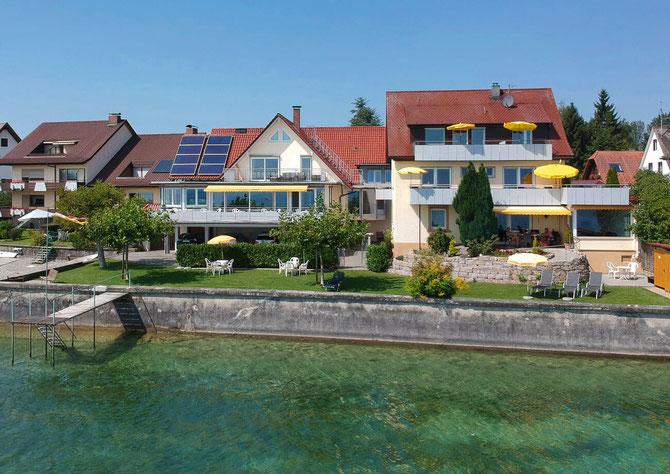 Blick vom Bodensee auf das Gästehaus