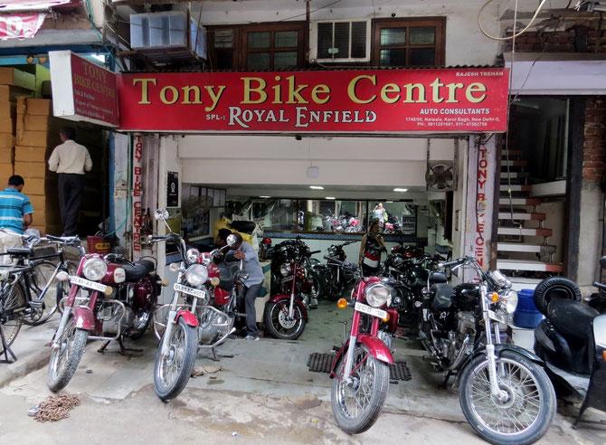 Es gibt dutzende Vermietstationen in Delhi