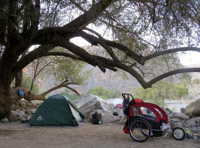 Idealer Lagerplatz im Wadi Tanuf