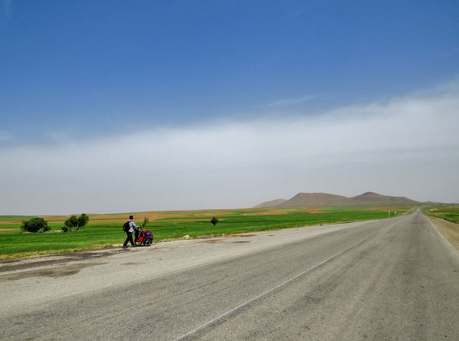 Monotone Hügellandschaft
