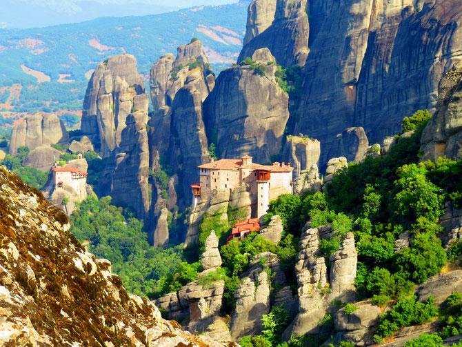 Die berühmten Felsen und Klöster von Meteora.