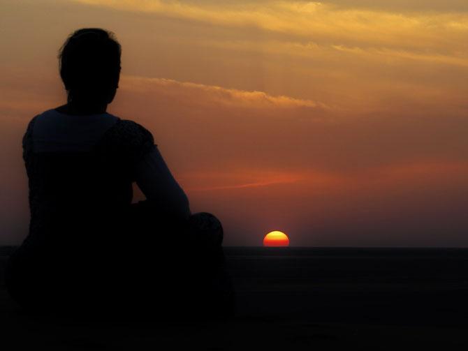Wir lieben Sonnenuntergänge in der Wüste