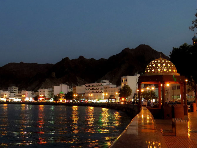 Muskat, die berühmte Hafenpromenade