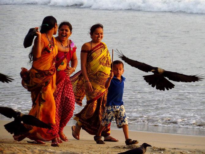 Farbtupfer an Goas Küste