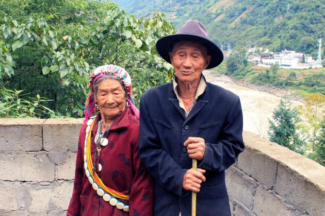 Er 109 Jahre alt, sie 90 Jahre alt.