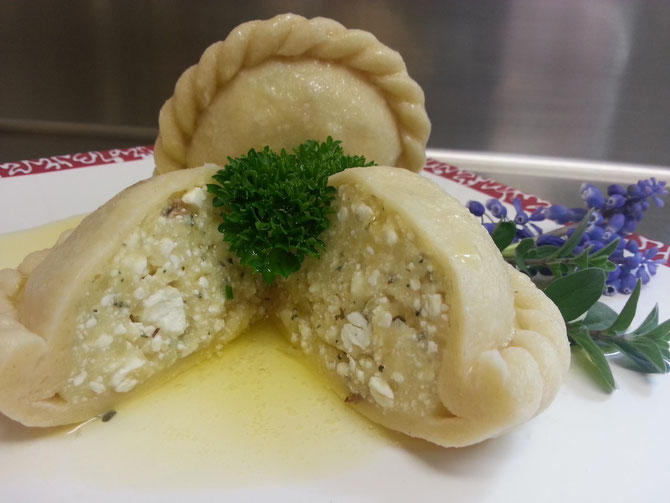 Serviervorschlag : Zerlassene braune Butter und frischer Schnittlauch :-)